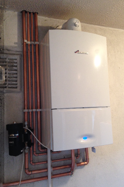 Worcester Bosch Combi Boiler Installation by iGas Heating in St Albans, Hertfordshire